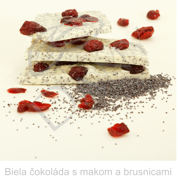 Biela-cokolada-s-makom-a-brusnicami