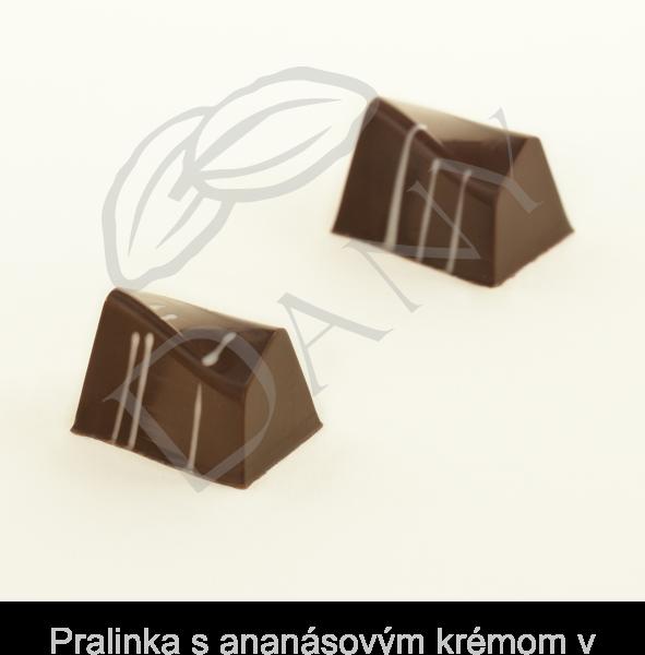 Pralinka-s-ananasovym-kremom-v-tmavej-cokolade