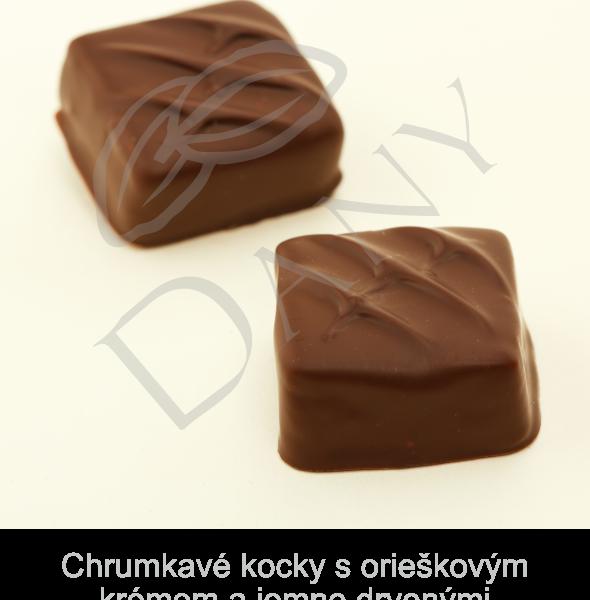 Pralinky-Chrumkave-kocky-s-orieskovym-kremom-a-jemne-drvenymi-francuzskymi-palacinkami-v-tmavej-cokolade
