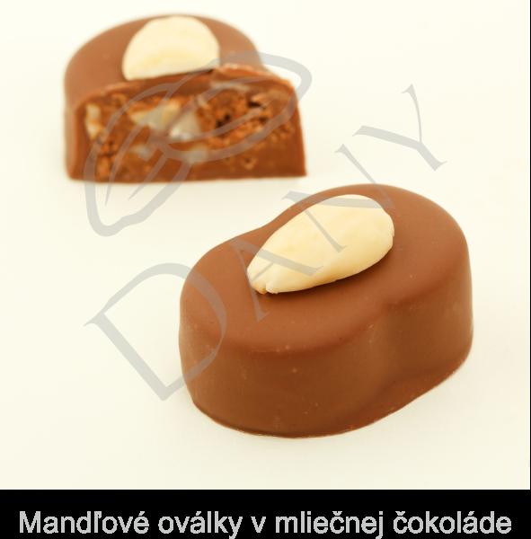 Pralinky-Mandlove-ovalky-v-mliecnej-cokolade