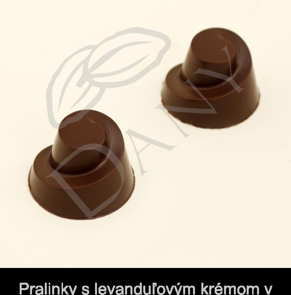 Pralinky-s-levandulovym-kremom-v-tmavej-cokolade